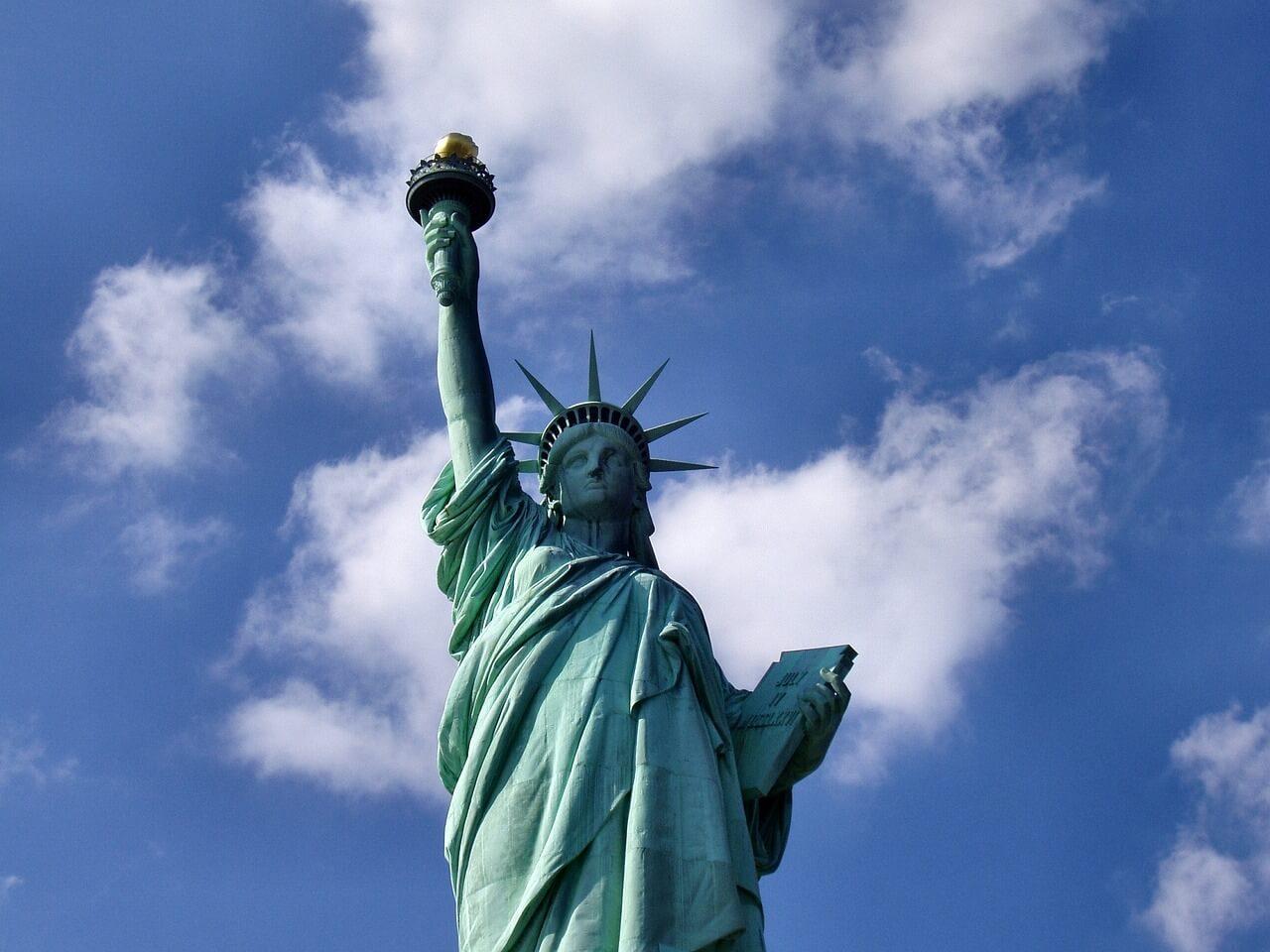 statue-of-liberty-1045266_1280
